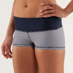 LULULEMON | Boogie Short Gingham Checkered | Sz. 4